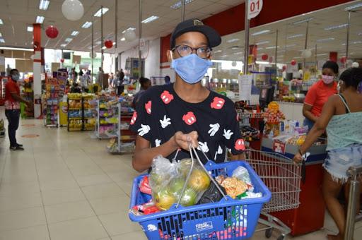 Mais de 260 mil estudantes já receberam o vale-alimentação estudantil