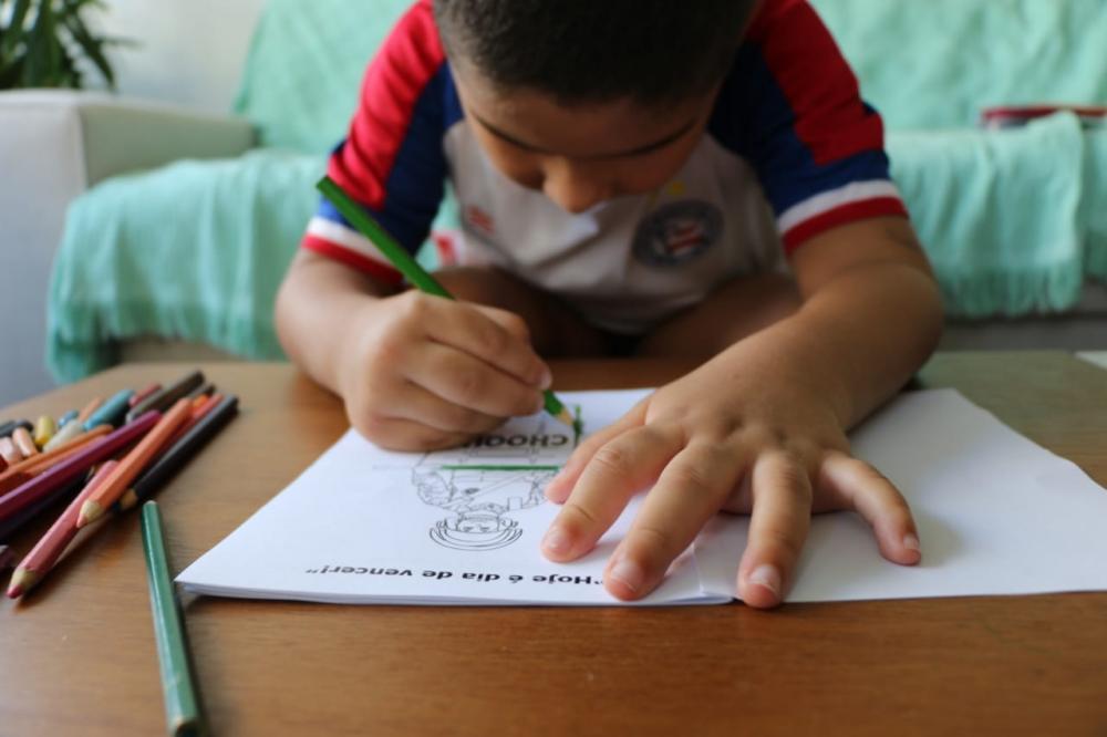 Batalhão de Choque lança caderno de colorir para criançada em isolamento