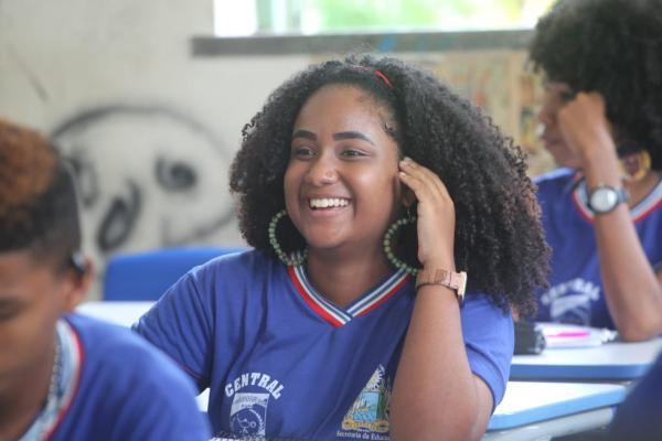 Centros Juvenis ampliam jornada escolar na capital e interior