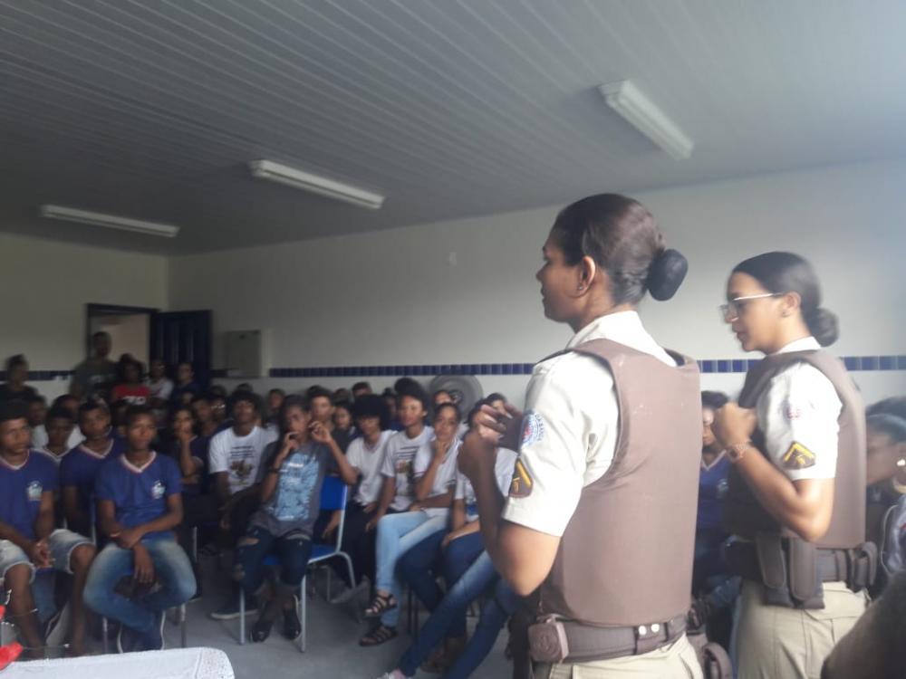 Polícia Militar e Conselho Tutelar promovem mesa redonda com alunos da rede estadual de educação de Jandaíra