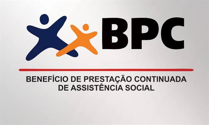 Benefícios de idosos podem ser suspensos, alerta Bolsonaro