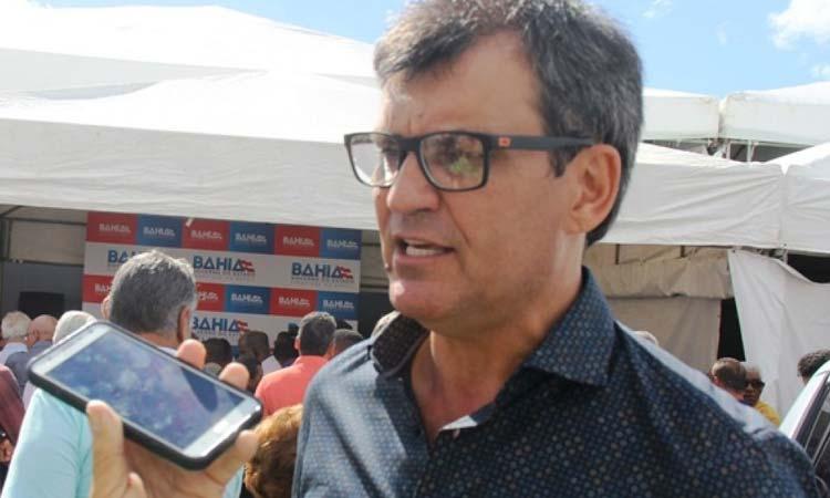 Justiça proíbe ex-prefeito de Santaluz de adentrar prédios públicos municipais
