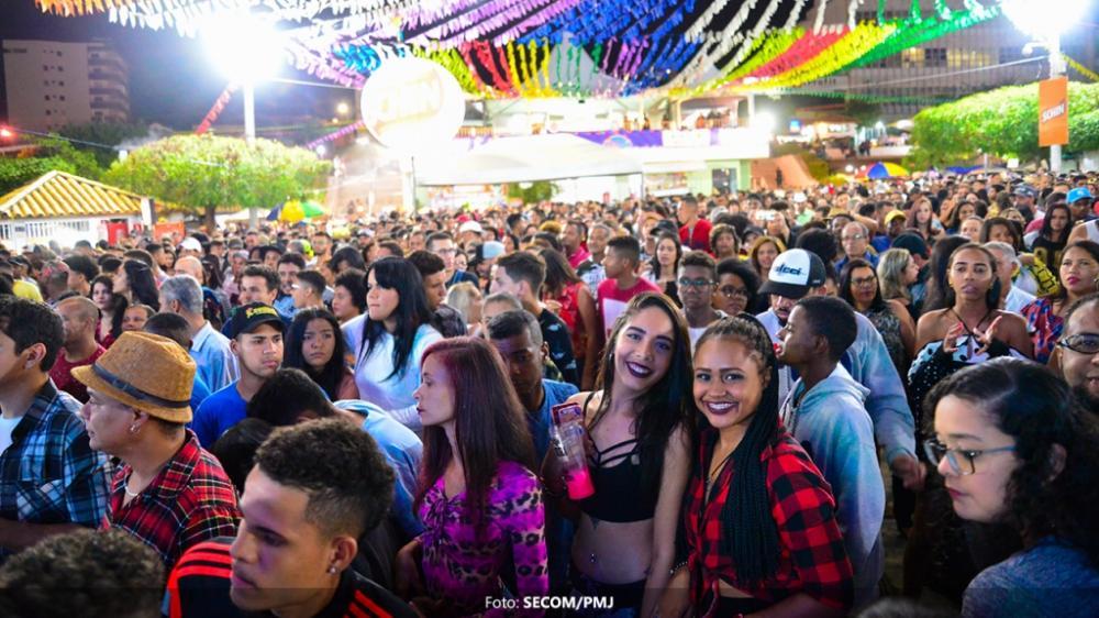 Público lota Vila Junina no quarto dia do São João de Jequié