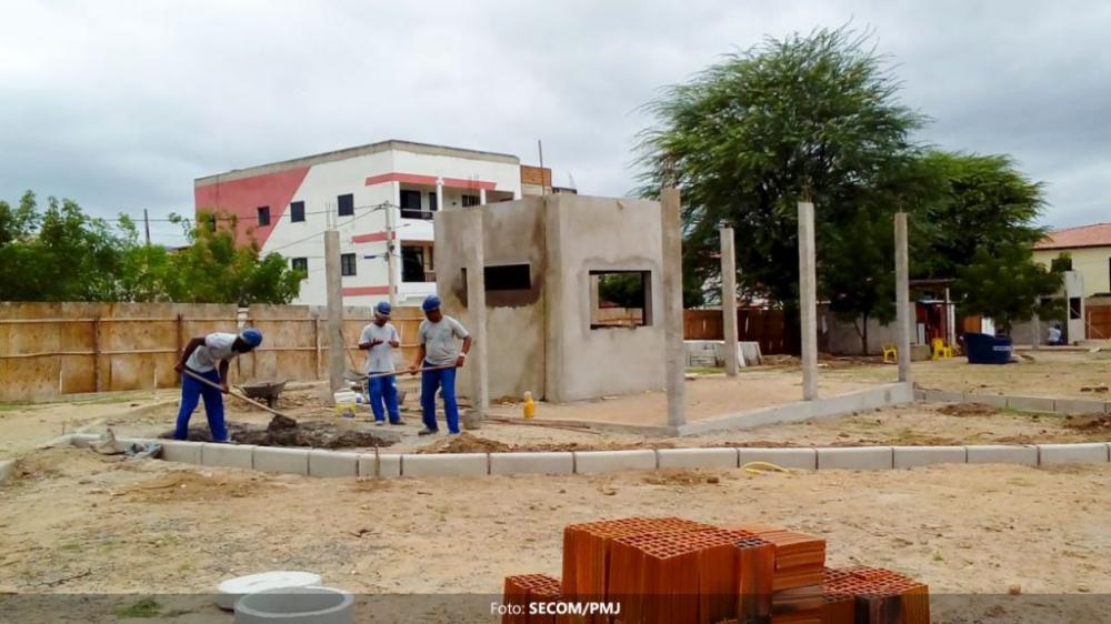 Obras da Praça do Bolo seguem em ritmo acelerado
