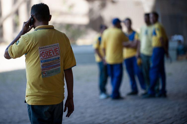 Greve por tempo indeterminado foi decretada ontem, durante Assembleia Geral, em São Paulo - Marcelo Camargo/ Agência Brasil