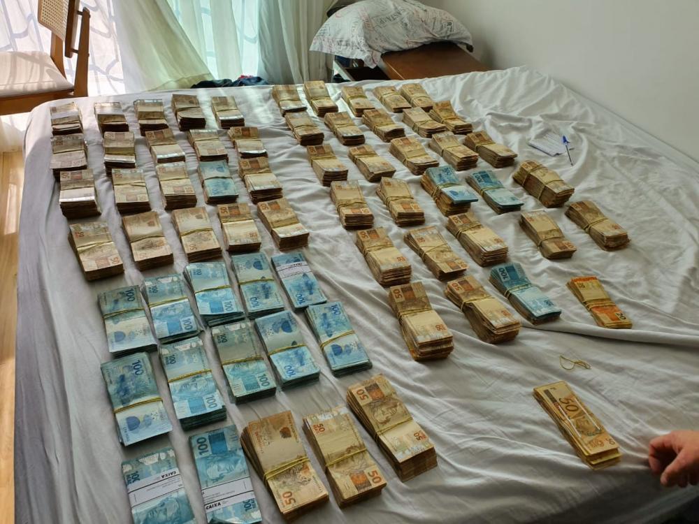 Operação do Ministério Público apreende dinheiro e prende 38 envolvidos com corrupção no Brasil