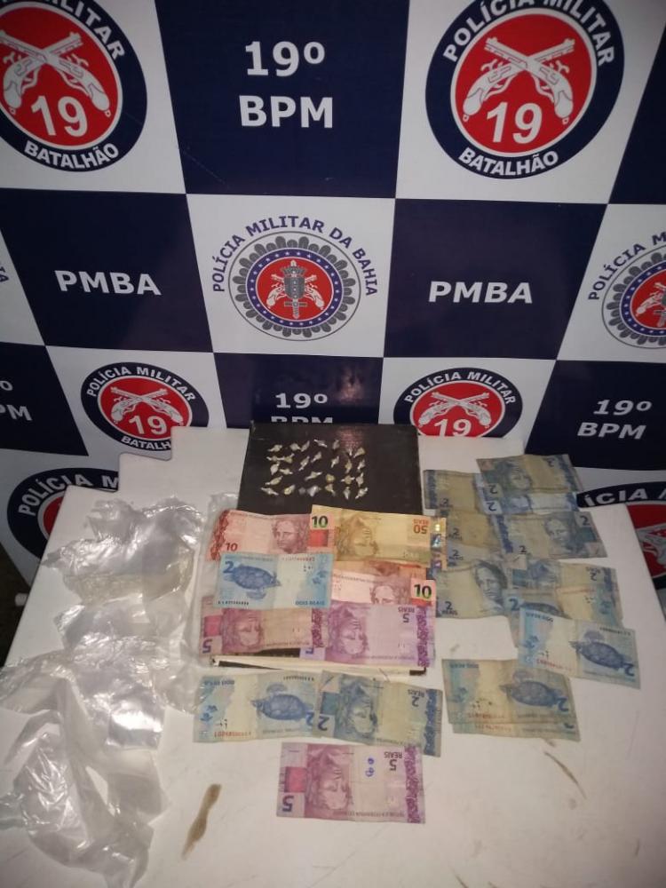 Policia Militar prende homem que traficava drogas no Entroncamento de Jaguaquara