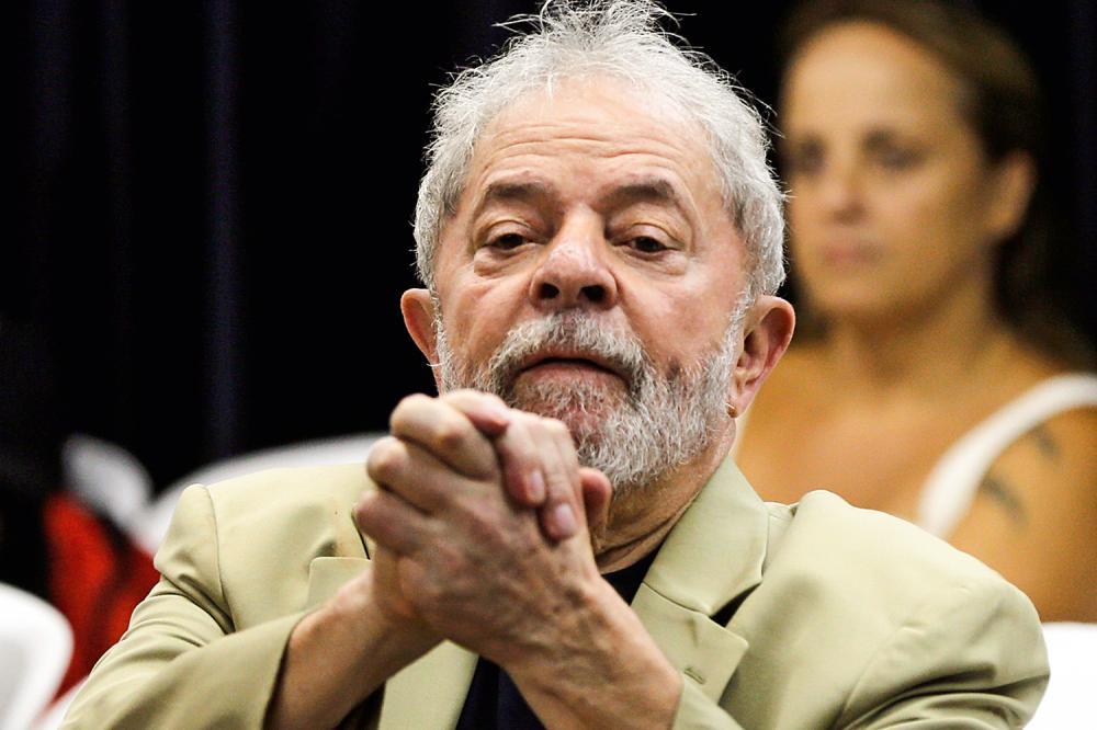 Juiz determina saída de Lula da prisão