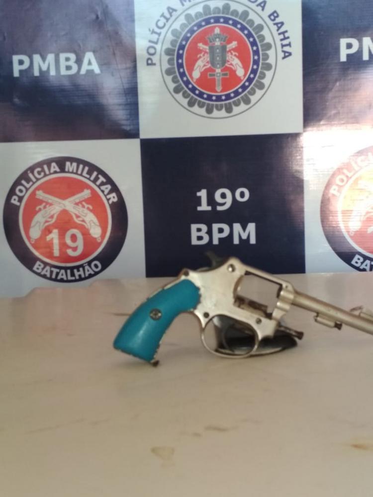 Itaquara: Jovem conduzido por porte ilegal de arma de fogo