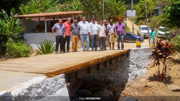 Prefeitura conclui e entrega duas pontes na Zona Rural