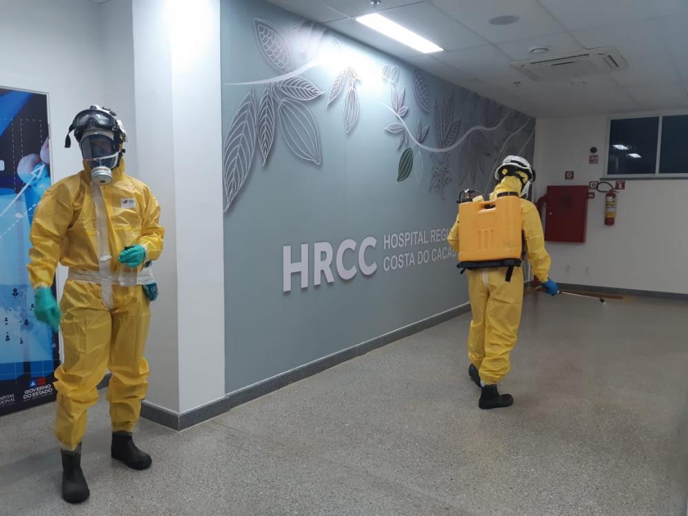 Bombeiros militares realizam descontaminação no Hospital Regional Costa do Cacau